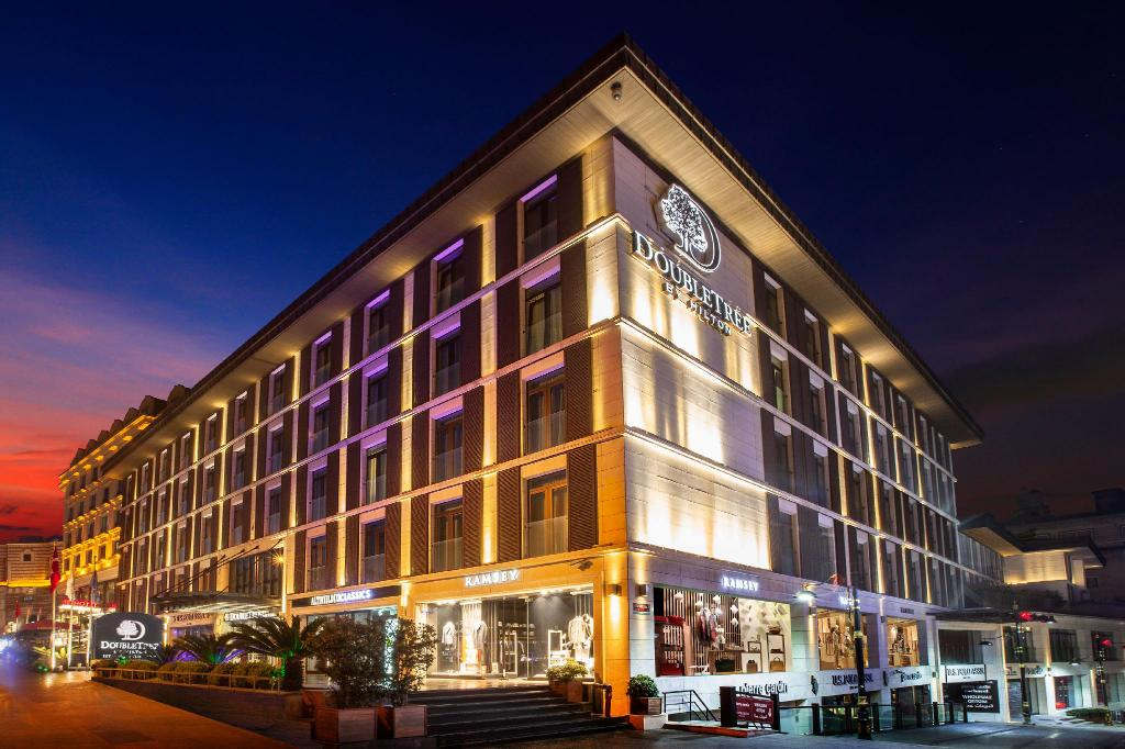 Doubletree By Hilton Istanbul Old Town Airport Taxi Transfer