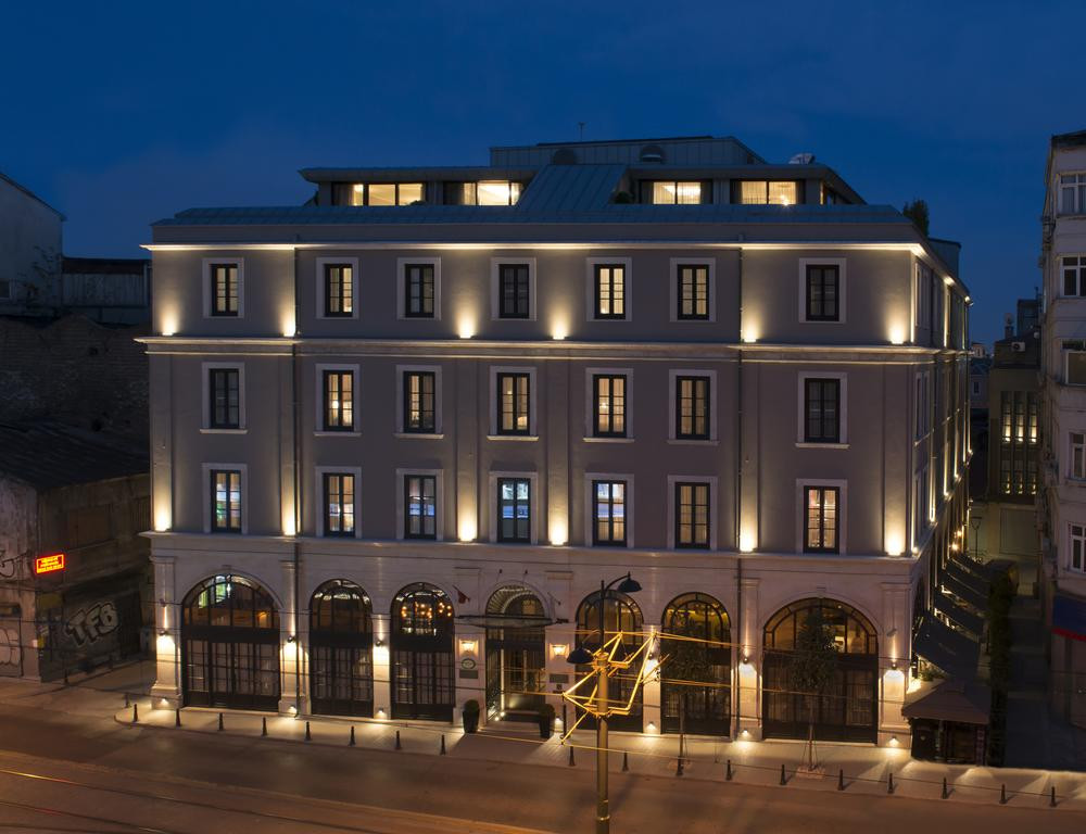 Airport Taxi Transfer for the 10 Karakoy Hotel Istanbul